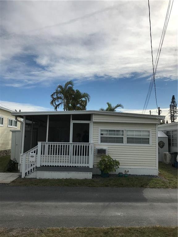2601 Gulf Dr N Lot 221 Bradenton Beach, FL 34217