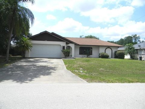 Photo of 1011 Tropical Ave Nw, Port Charlotte, FL 33948