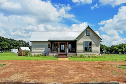 Photo of 13792 Farm To Market Rd # 1094, Cat Spring, TX 78933