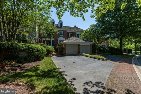 Photo of 9476 Turnberry Dr, Potomac, MD 20854