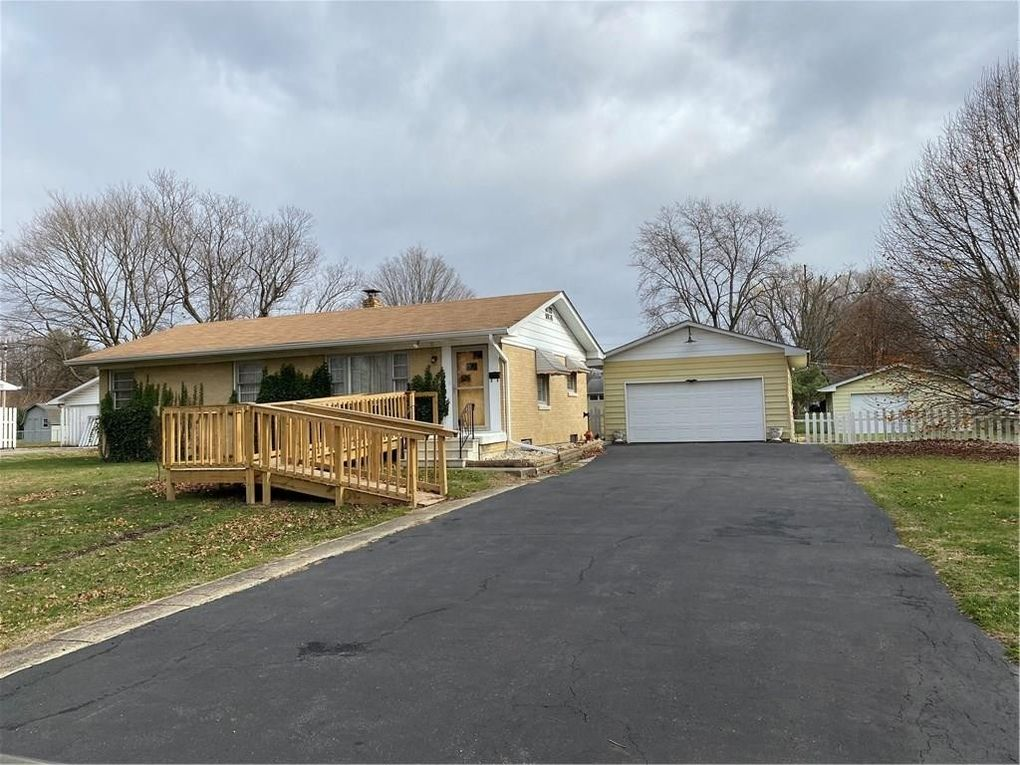 7717 S Katherine Dr Indianapolis, IN 46217