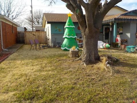 Photo of 1913 N Zimmers St, Pampa, TX 79065