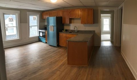 Photo of 32 Second St Unit B, Dover, NH 03820