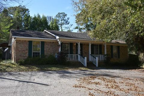 Photo of 1468 Schillinger Rd S, Mobile, AL 36695