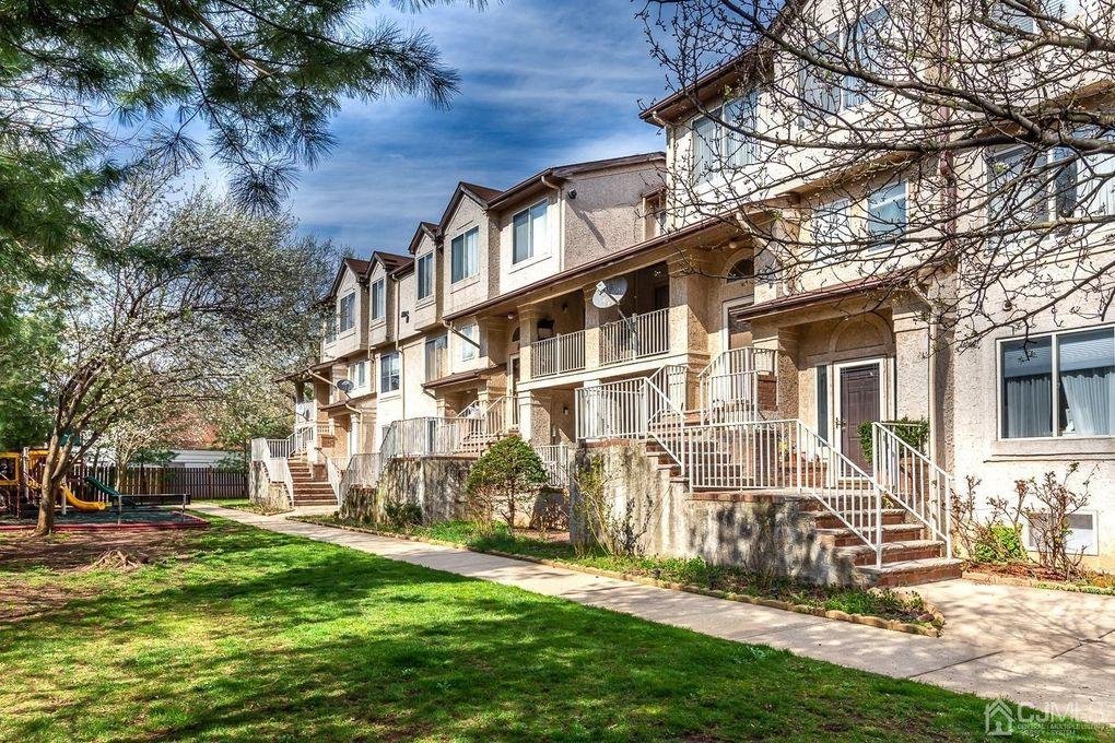412 N Lafayette Rd Unit 412 Menlo Park Terrace, NJ 08840
