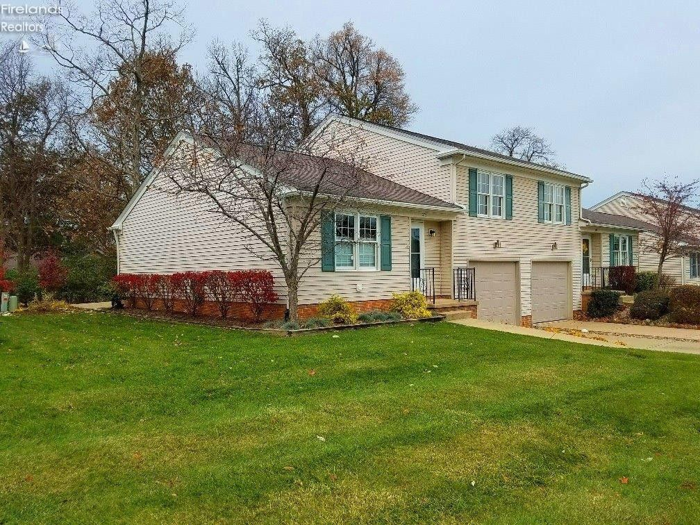 372 N Lighthouse Oval Marblehead, OH 43440