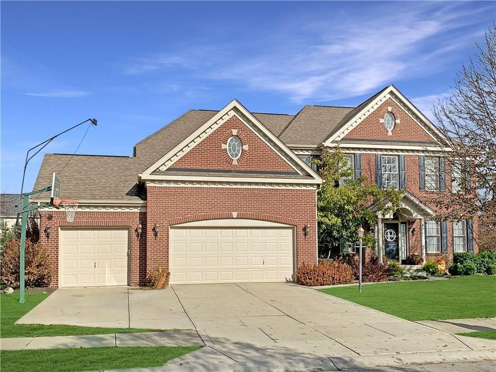 11820 Floral Hall Pl Fishers, IN 46037
