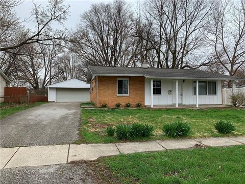 Photo of 656 S Alpha Ave, Brownsburg, IN 46112