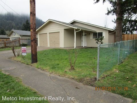 Photo of 160 66th St, Springfield, OR 97478