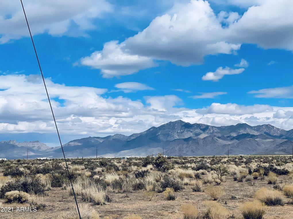 11852 N Silver Sage Dr Lot 38 Golden Valley, AZ 86413