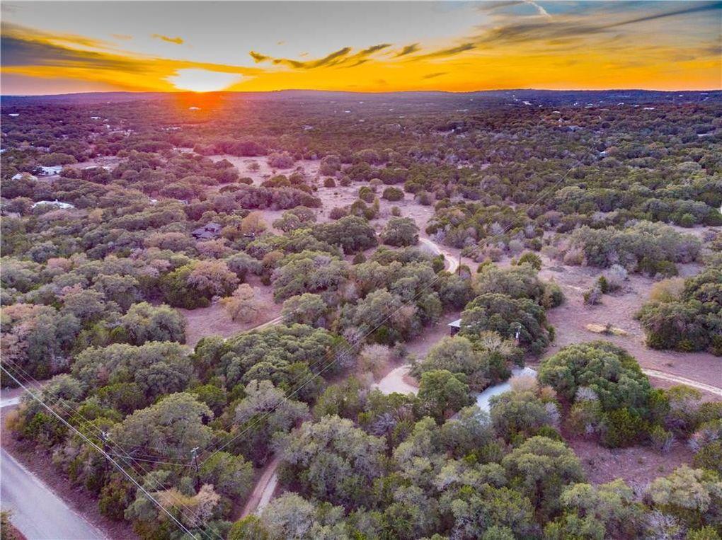 521 Oakwood Loop San Marcos, TX 78666