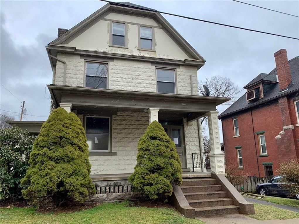 431 McKinley Ave City of But Northwest, PA 16001