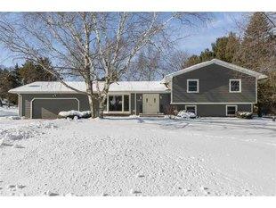 <div>3483 Hickory Hill Rd</div><div>Verona, Wisconsin 53593</div>