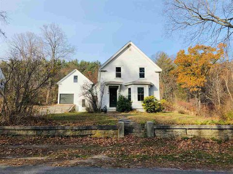 Photo of 39 Maple St, Milford, NH 03055