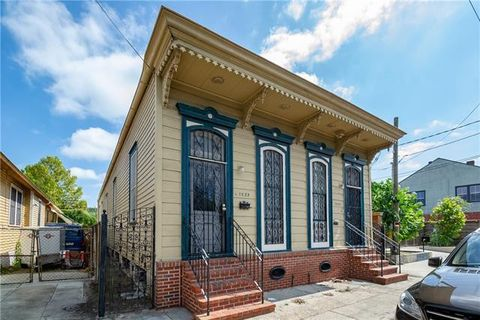 Photo of 1025 Frenchmen St, New Orleans, LA 70116