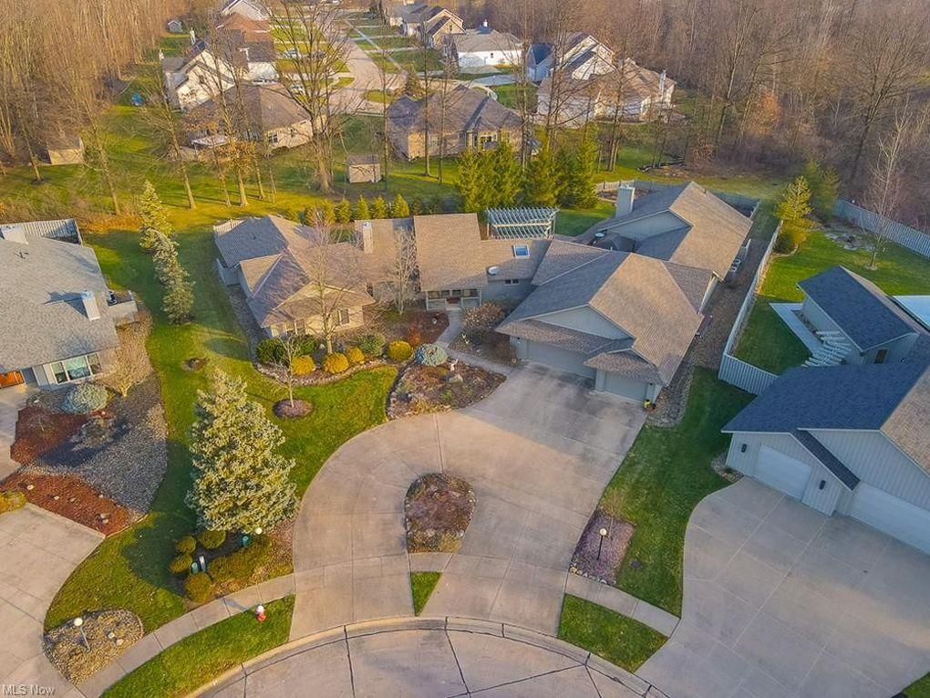 8715 Timber Edge Dr North Ridgeville, OH 44039