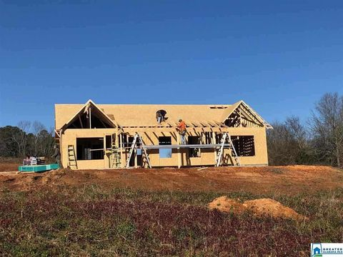 Photo of 340 Blossum Ln, Blountsville, AL 35031