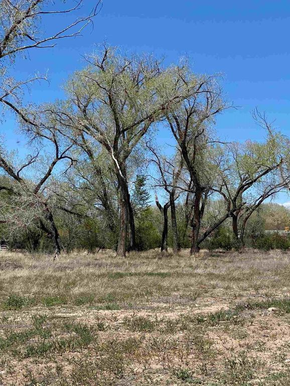 500 Riverview Ln Espanola, NM 87532