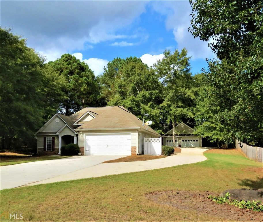 815 Lincoln Sq Locust Grove, GA 30248