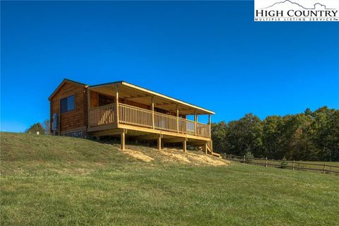 Photo of 358 Buttons Ln, Sparta, NC 28675