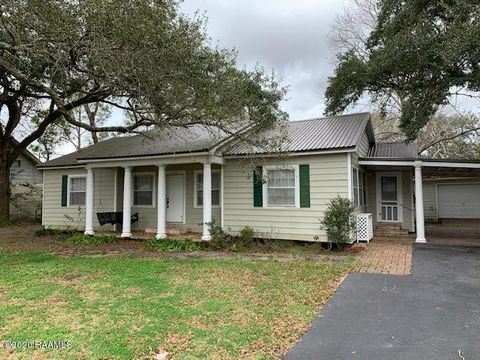 Photo of 120 W Park St, Saint Martinville, LA 70582