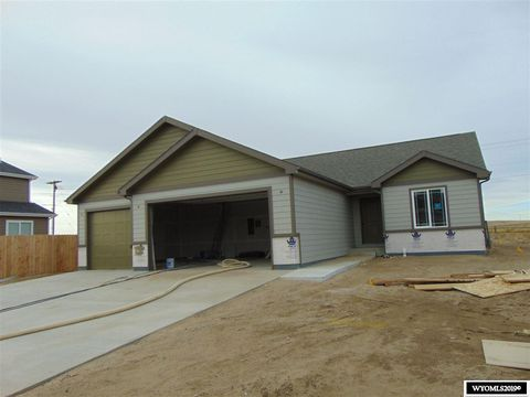 Photo of 974 S 6th S, Mills, WY 82644