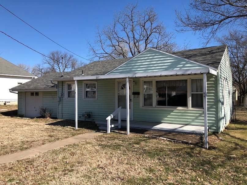 527 S Spring St Nevada, MO 64772