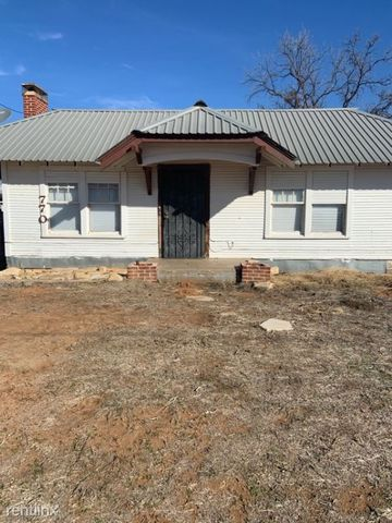 Photo of 770 E 5th St, Colorado City, TX 79512