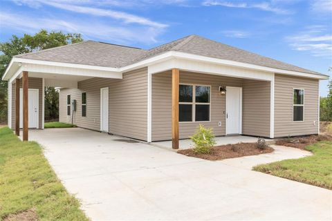 Photo of 607 Fern Valley Dr, Pearl, MS 39208