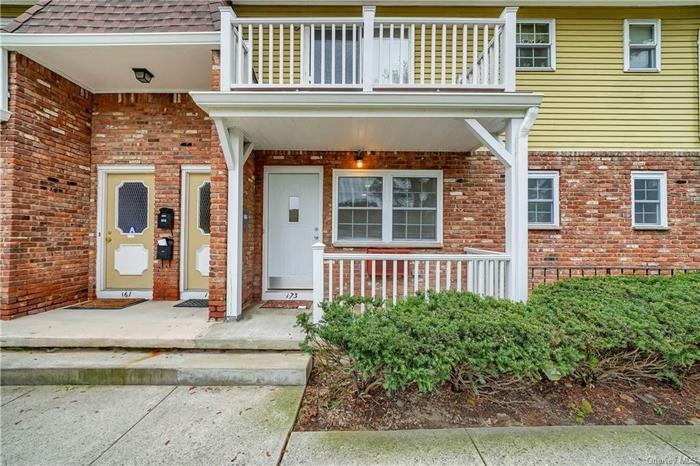 173 Parkside Dr Suffern, NY 10901