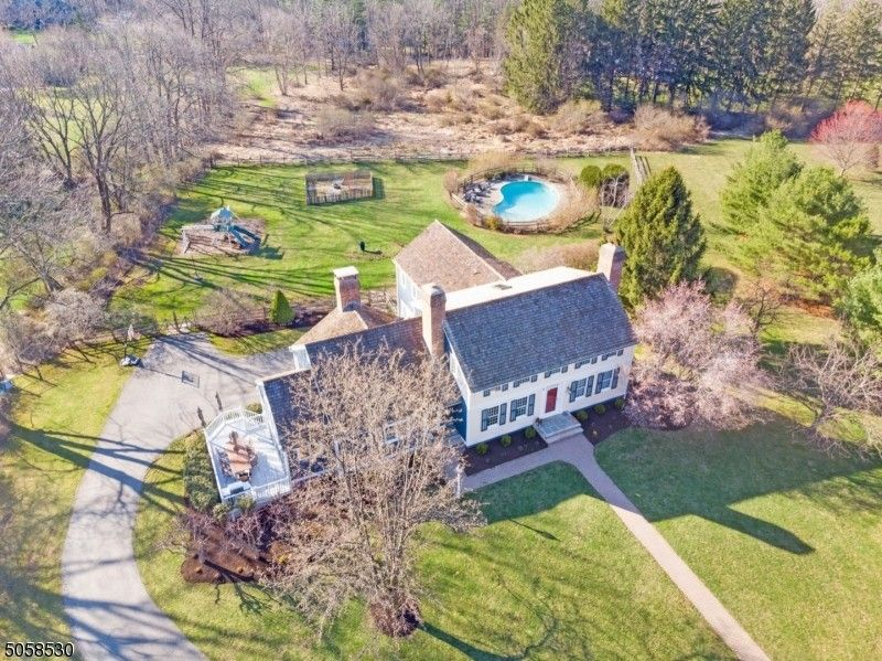 5 Barberry Row Chester Twp, NJ 07930