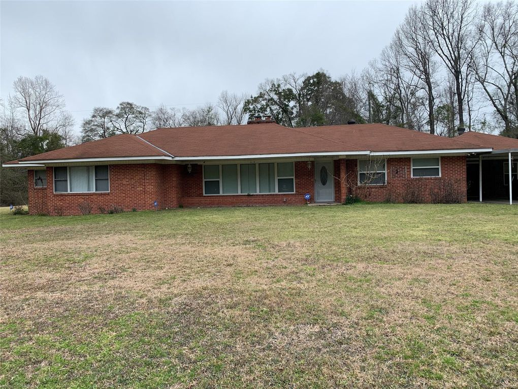 1183 Peachburg Rd Union Springs, AL 36089