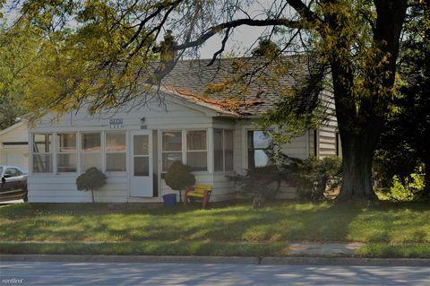 Photo of 1224 Lincoln Way, Ames, IA 50010