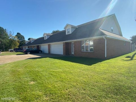 Photo of 915 Linwood Dr, Paragould, AR 72450
