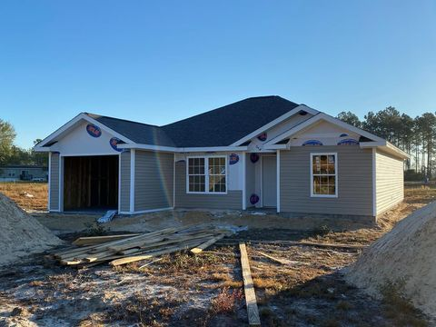 Photo of 330 Turpentine Cir, Jesup, GA 31545