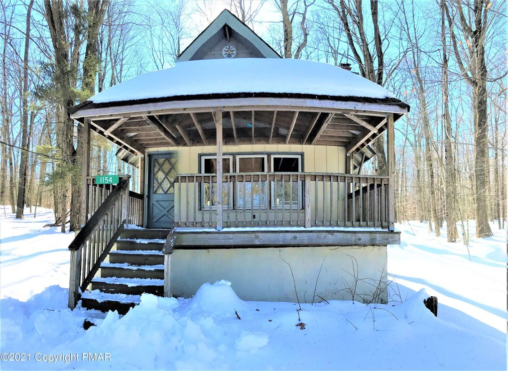 1154 Arrowhead Dr Pocono Lake, PA 18347
