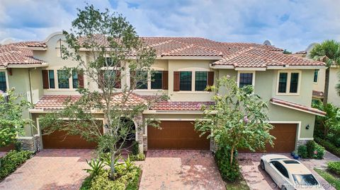 Photo of 146 Sw 127th Ter Unit 146, Plantation, FL 33325