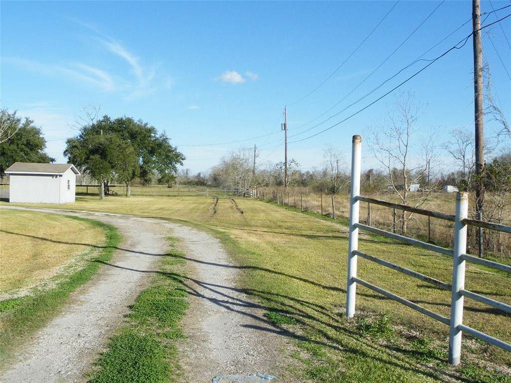 7202 Wetzel Rd Texas City, TX 77539