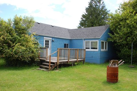 Photo of 740 Pacific Dr, Hammond, OR 97121