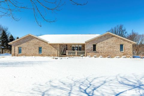 Photo of 1720 Knoxville Rd, Sherrard, IL 61281