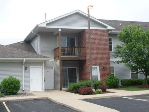 Photo of 210 E Remer Rd Unit 203, Elkhorn, WI 53121