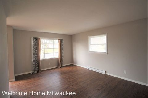 Photo of 6900 N Sussex St, Milwaukee, WI 53209