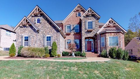Photo of 9614 Stonebluff Dr, Brentwood, TN 37027