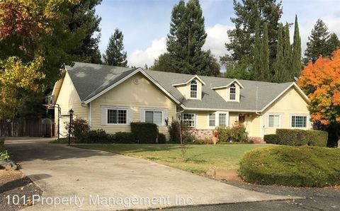 Photo of 1550 Crane Ter, Ukiah, CA 95482