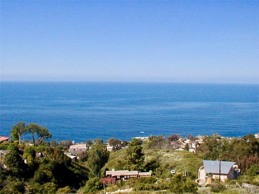 845 Baja St Laguna Beach, CA 92651