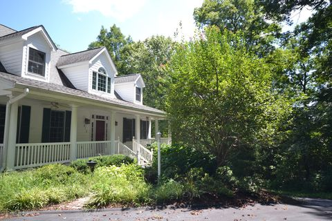 Photo of 512 Claremont Dr, Flat Rock, NC 28731