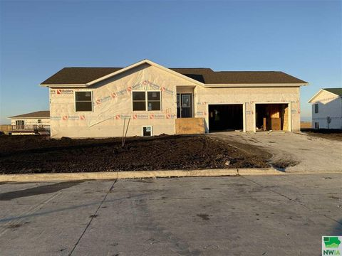 Photo of 517 Magnolia Ln, Storm Lake, IA 50588