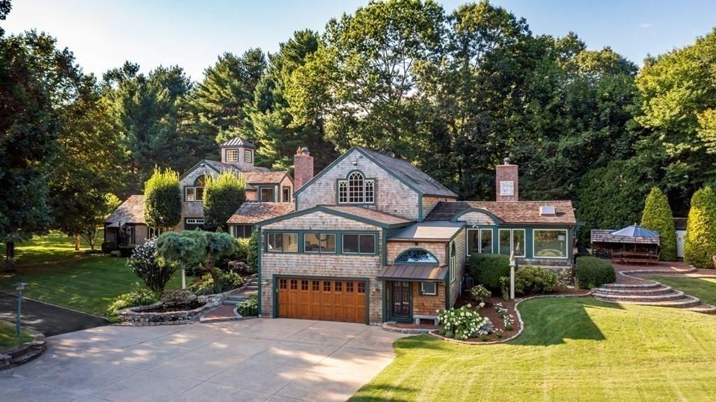 House view featured at 1405 and 1399 Tremont St, Duxbury, MA 02332