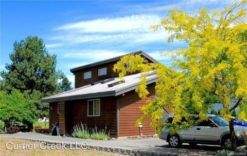 Photo of 421 Pebble Beach Dr, Cle Elum, WA 98922
