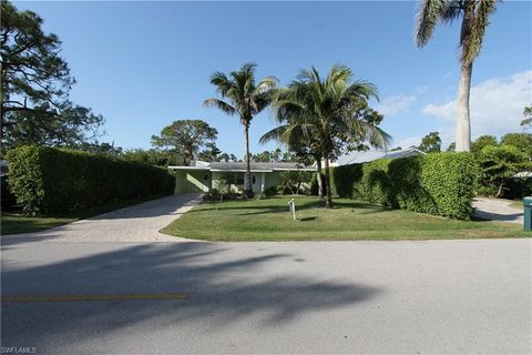 Photo of 1279 10th Ave N, Naples, FL 34102